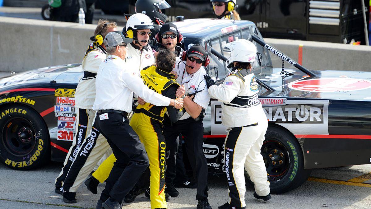 083014_NASCAR_MosportFights_PI_JP.vresize.1200.675.high.80.jpg