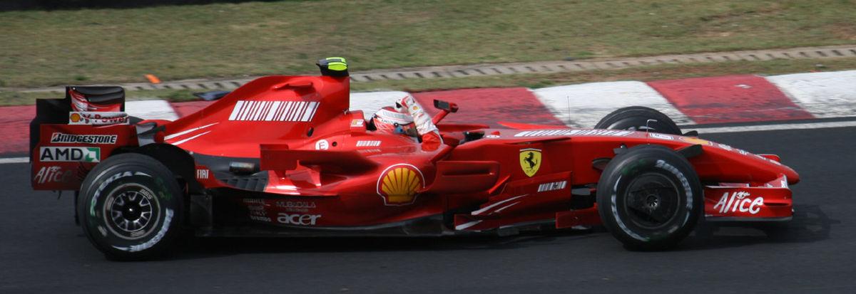 1200px-Kimi_Raikkonen_won_2007_Brazil_GP_side.jpg