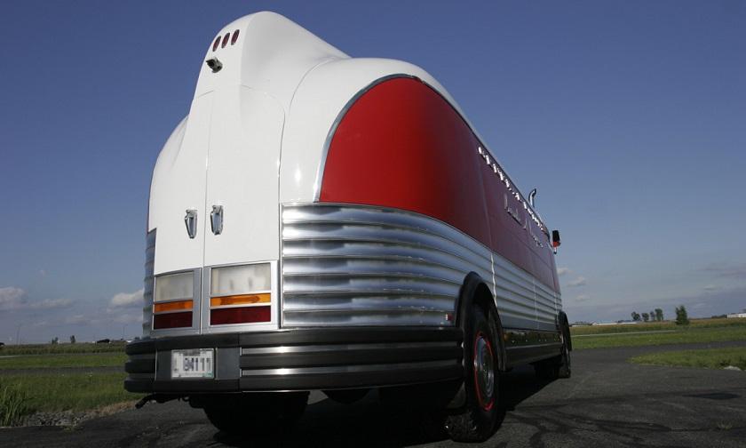 1950-gm-futureliner-r.jpg