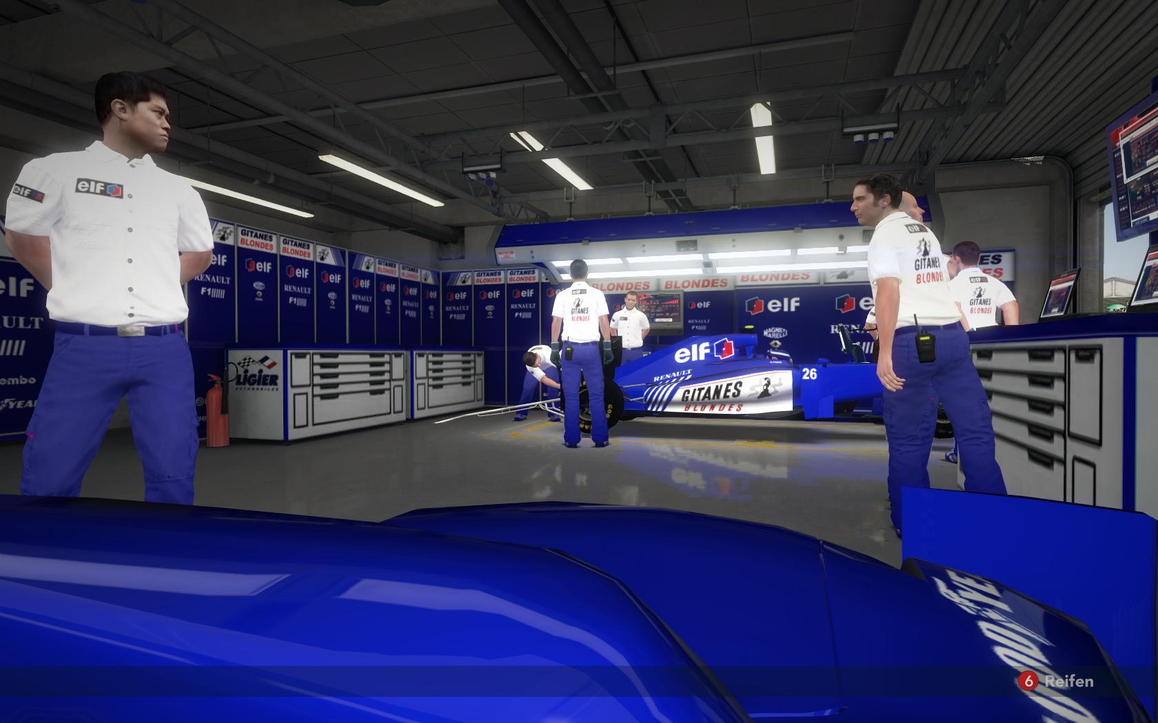 1994-Ligier-garage.jpg