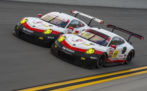 24h-Daytona-2017-Testtage-Roar-Porsche-911-RSR-nebeneinander.jpg