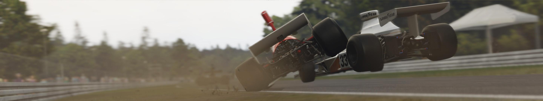 5 AMS2 F RETRO V8 at HOCK HISTORIC 77 crash1.jpg