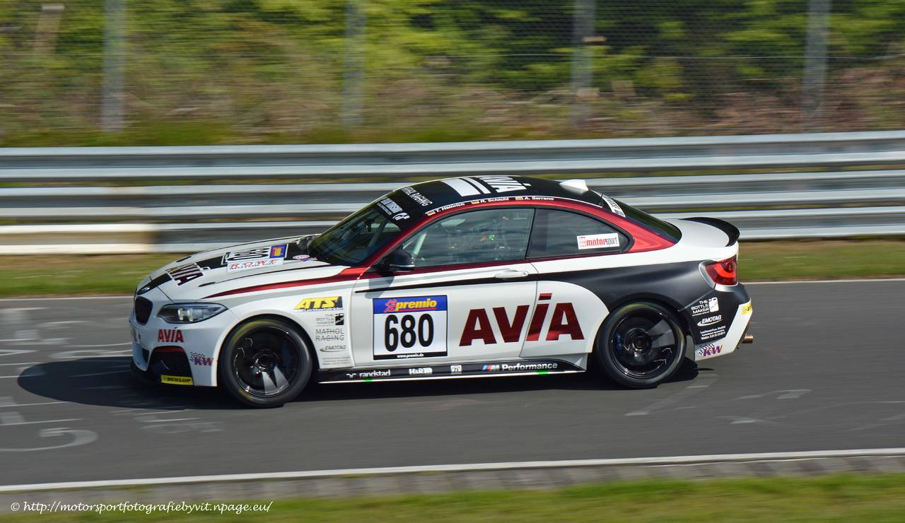 680_bmw_m235i_racing_cup_avia.jpg