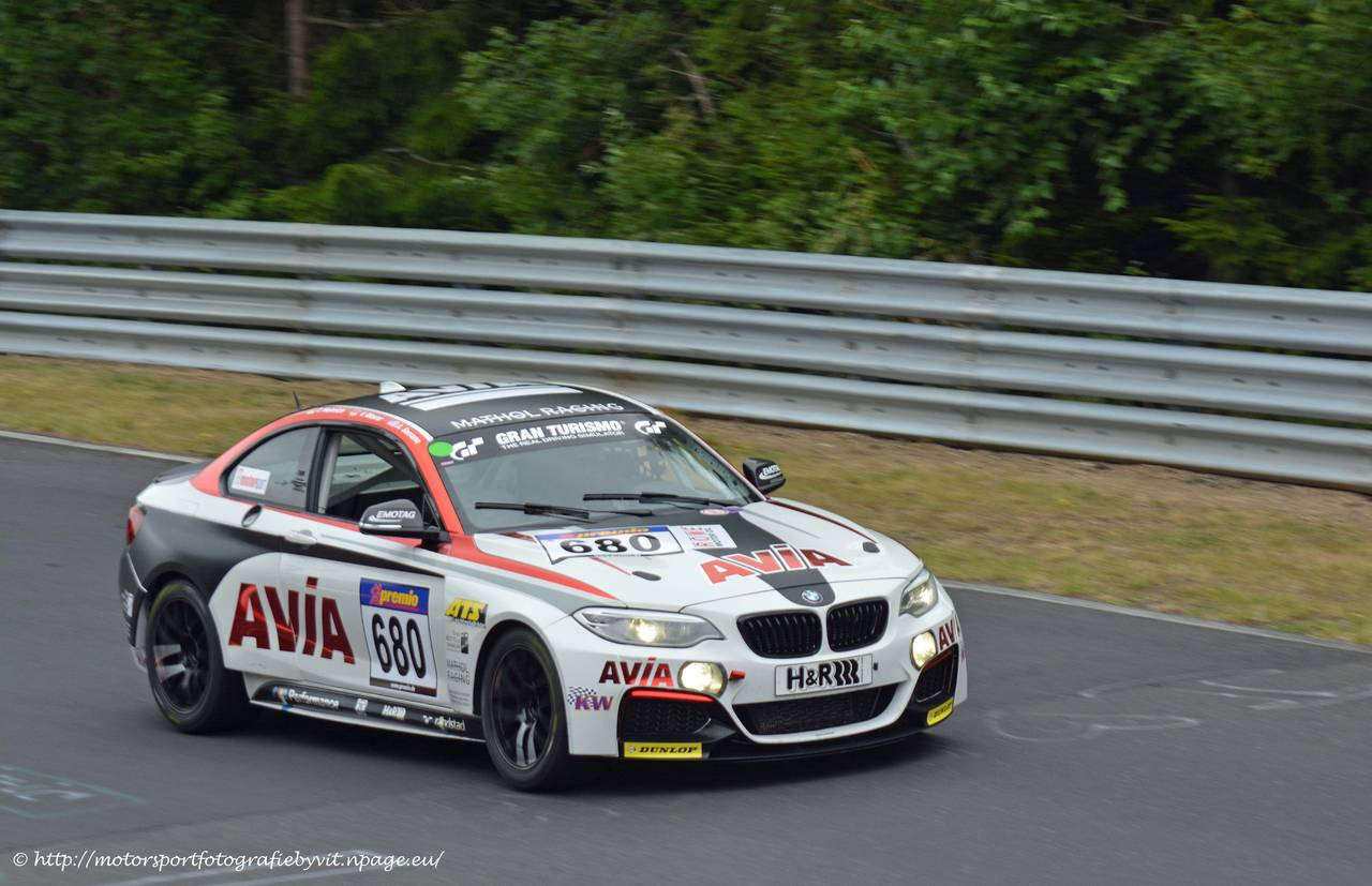 680_bmw_m235i_racing_cup_avia1.jpg
