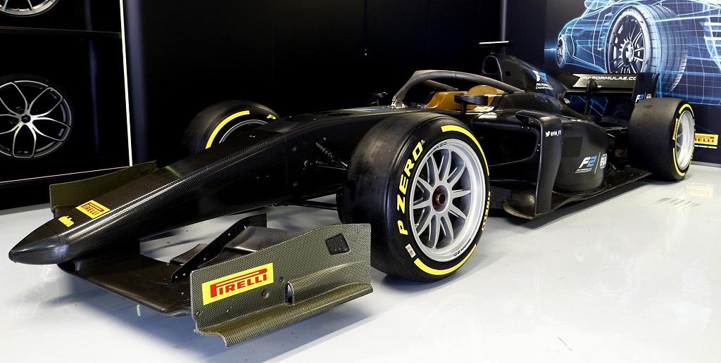 Alesi Testing Pirelli 18 inch Tyres at Monza 2.jpg