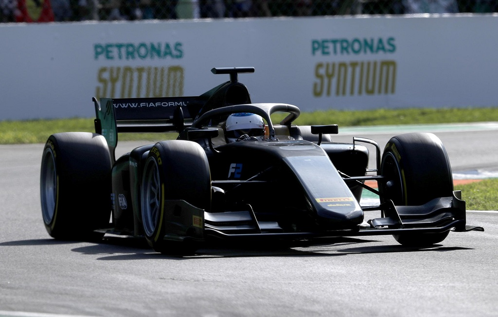 Alesi Testing Pirelli 18 inch Tyres at Monza.jpg