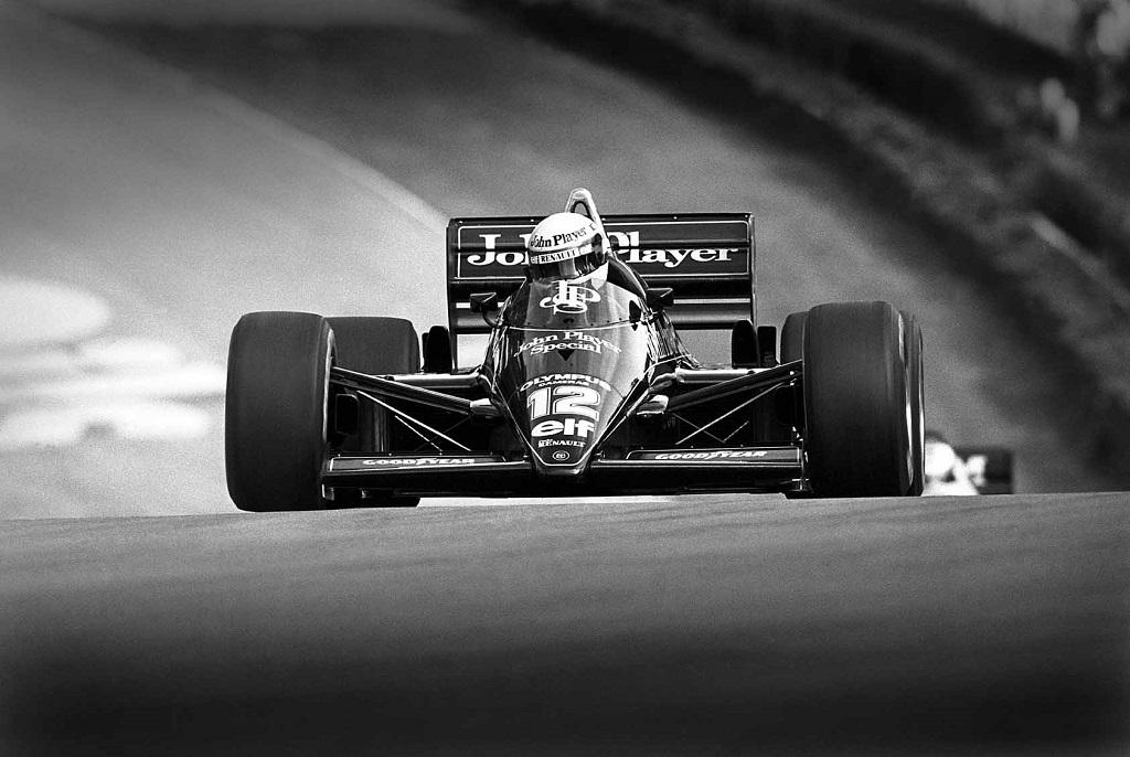 Aryton Senna  2.jpg