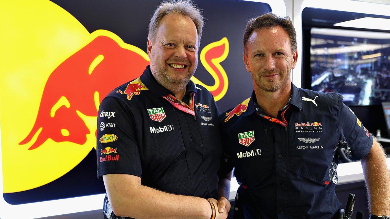 Aston Martin Red Bull Tie Up 2.jpg