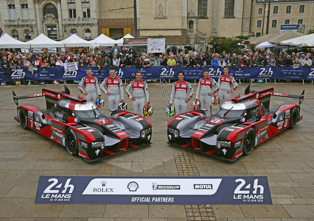 Audi LMP1 2016 Team.jpg