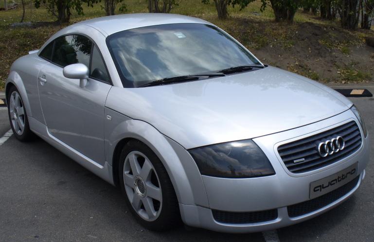 Audi TT 2000.PNG
