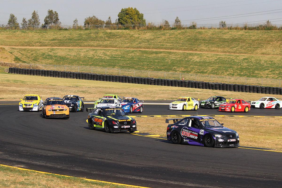 Aussie_Racing_Cars_Sydney_2015.jpg