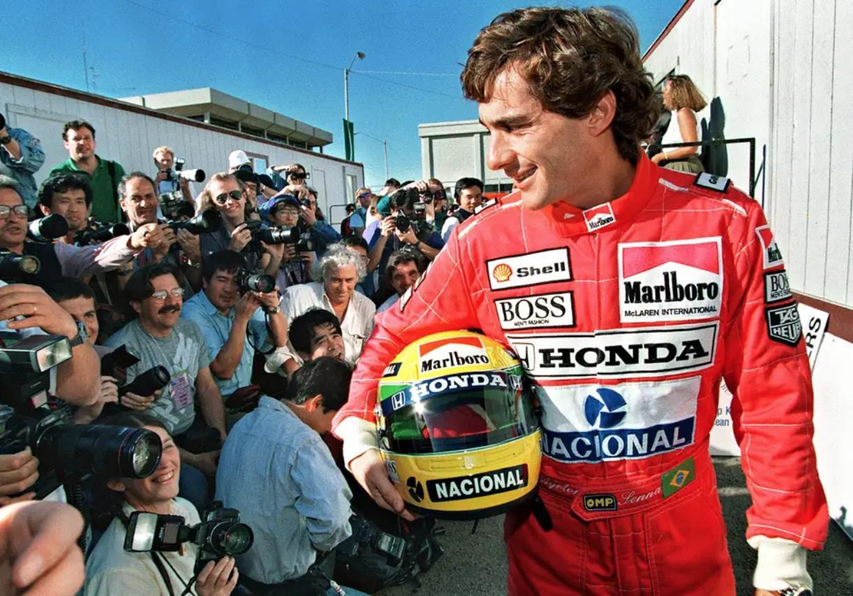 Ayrton Senna (1).jpg