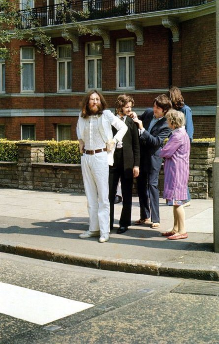 beatles-about-to-cross-abbey-road.jpg