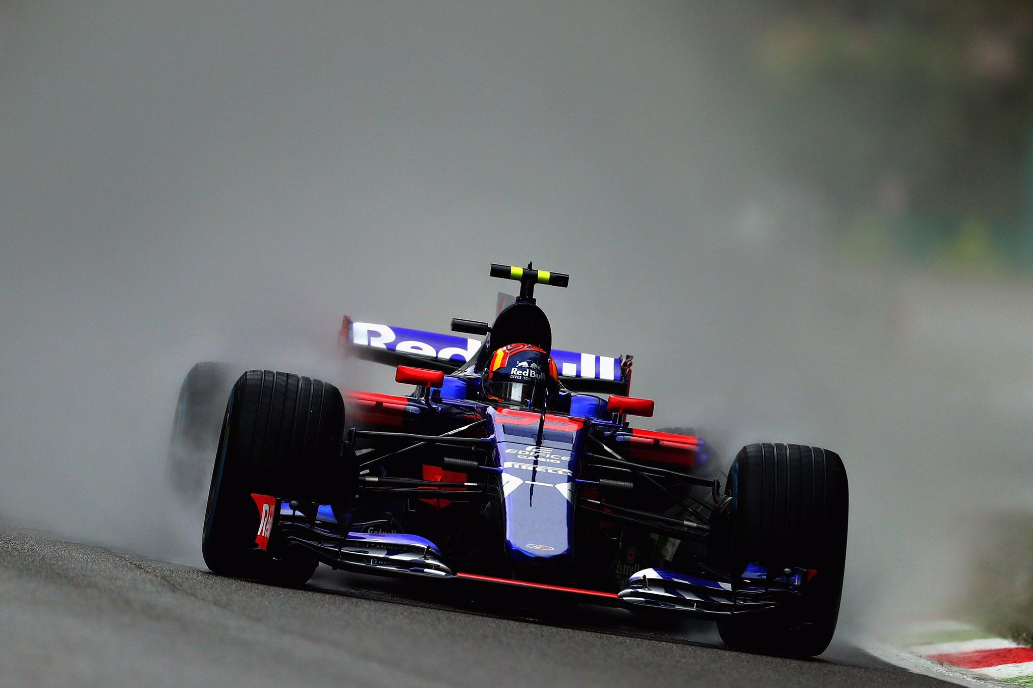 Carlos Sainz Renault.jpg