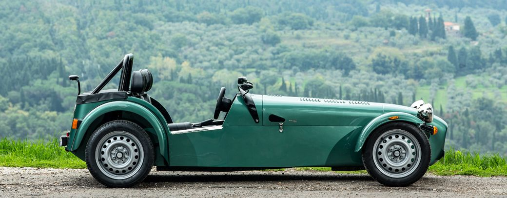cars-header-main-caterham-seven-165-i.jpg