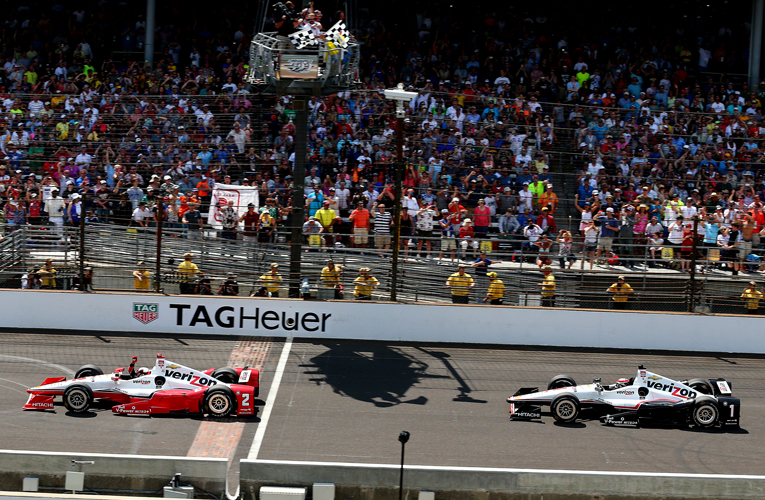 chequered flag indy 500 2015.jpg