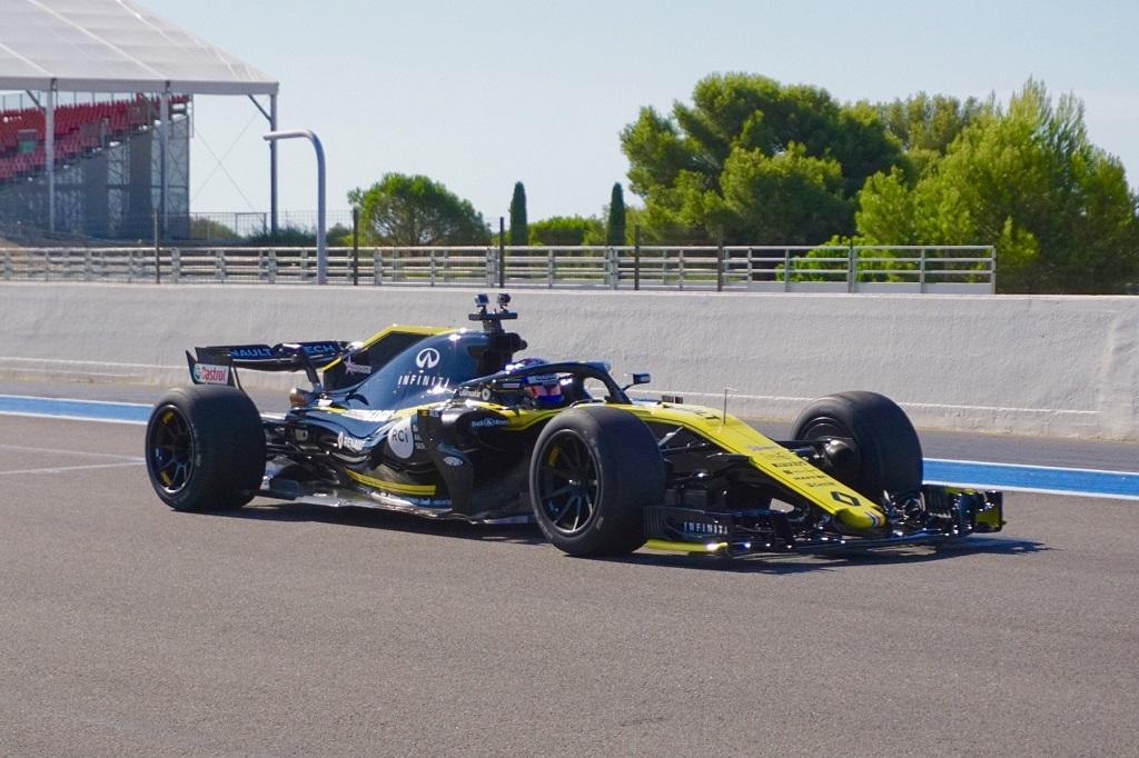 F1 2021 Pirelli Tyres 2.jpg