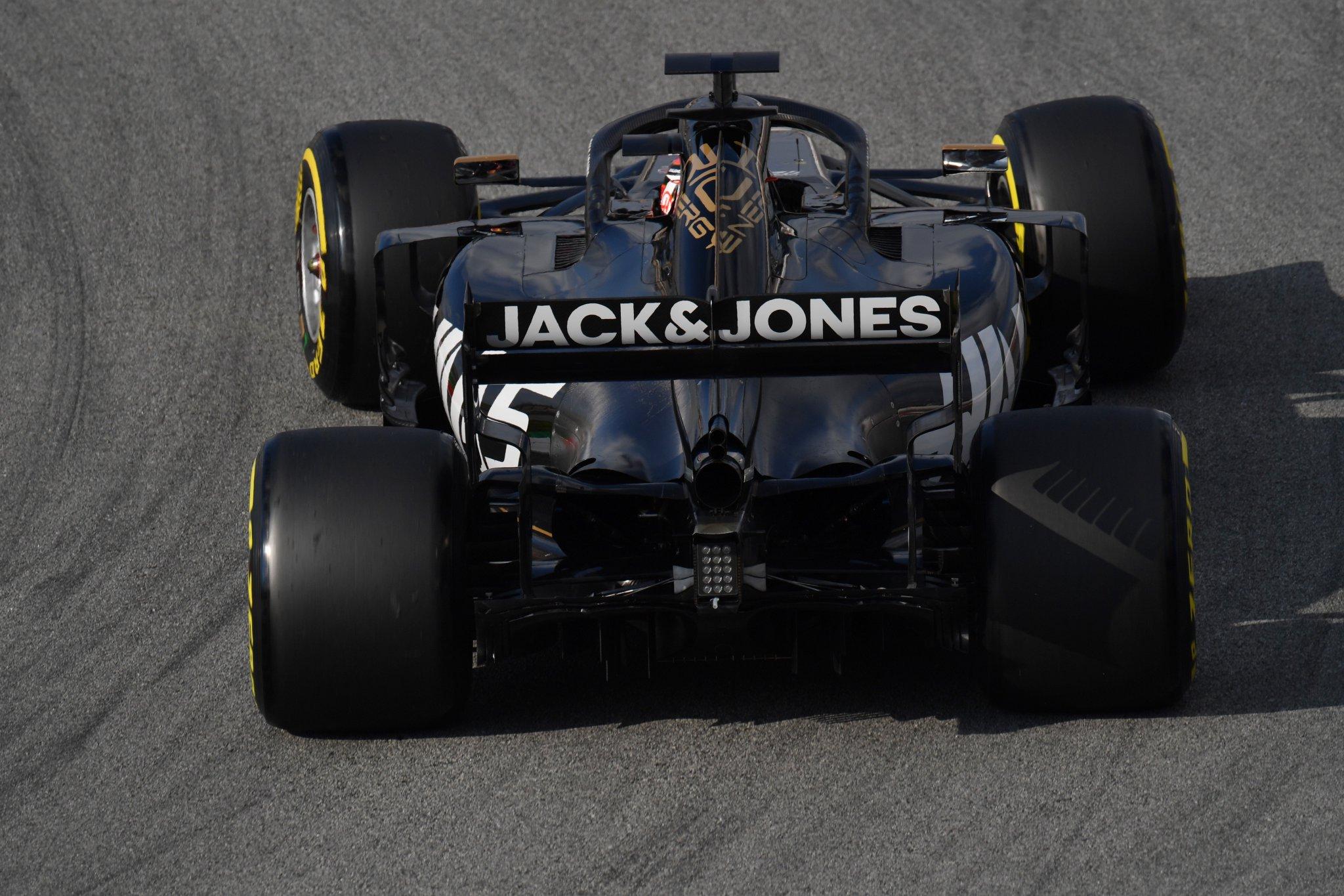 F1 Gearbox Tender.jpg