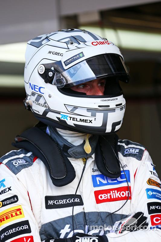 f1-july-silverstone-testing-2014-giedo-van-der-garde-sauber-reserve-driver.jpg