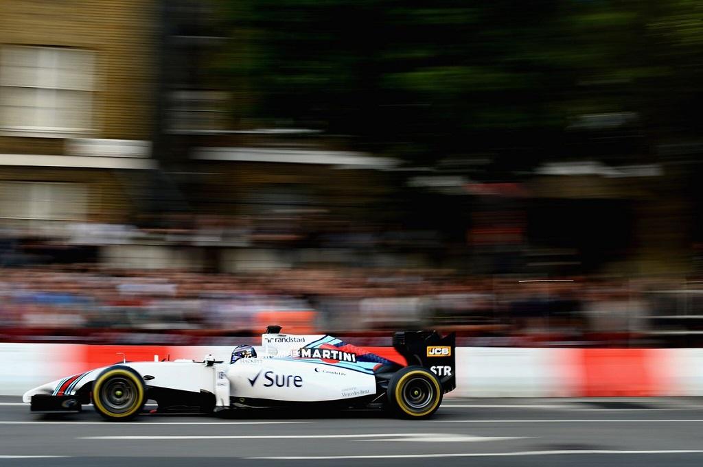F1 Live 2.jpg