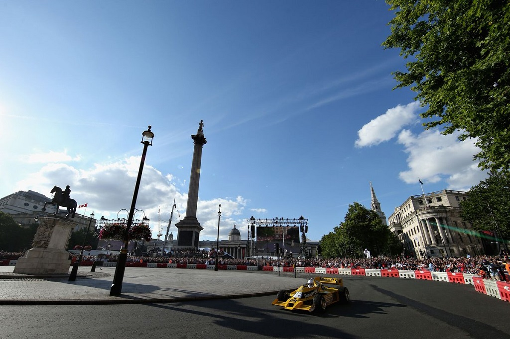 F1 Live 3.jpg