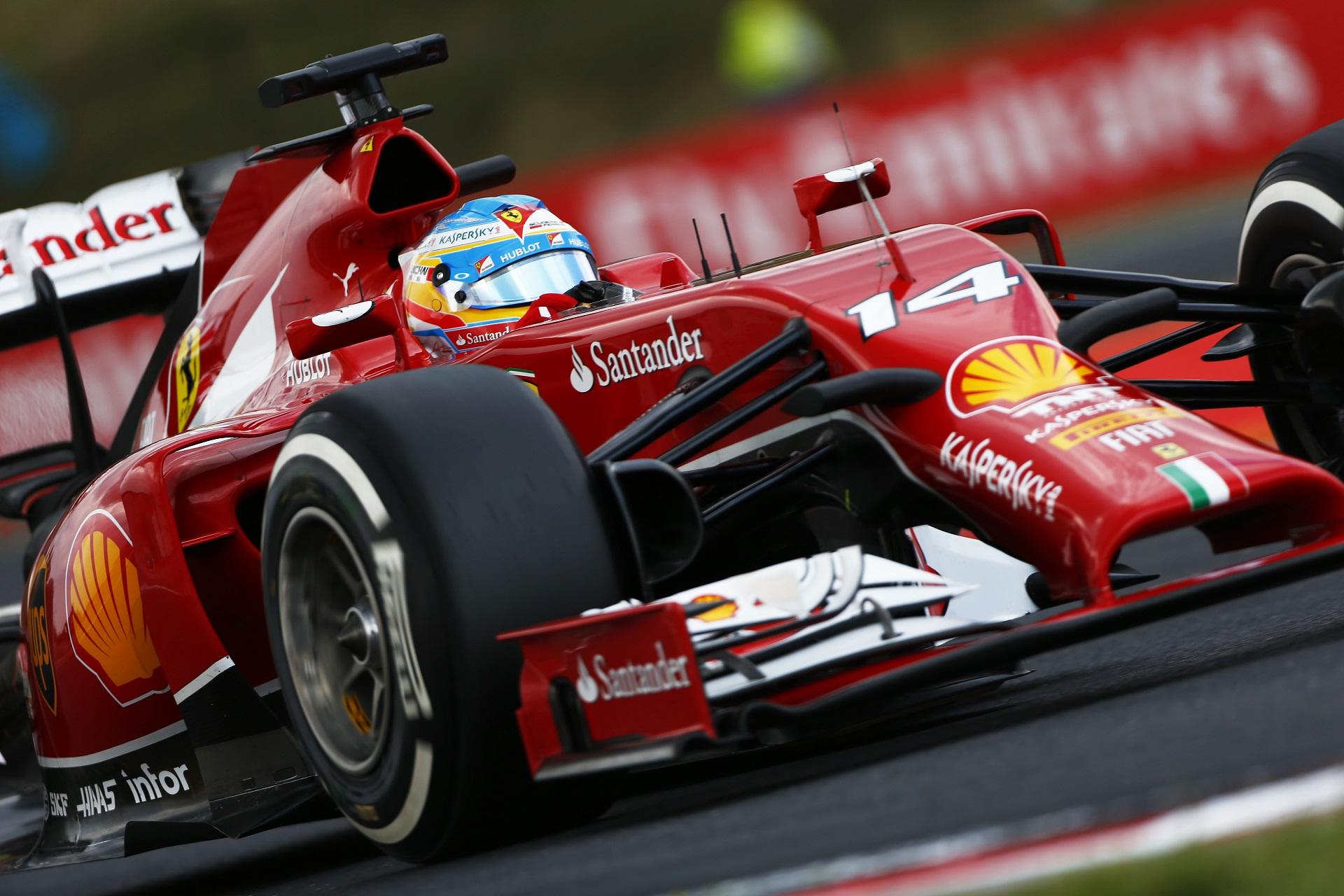 Fernando Alonso Ferrari F14T.jpg