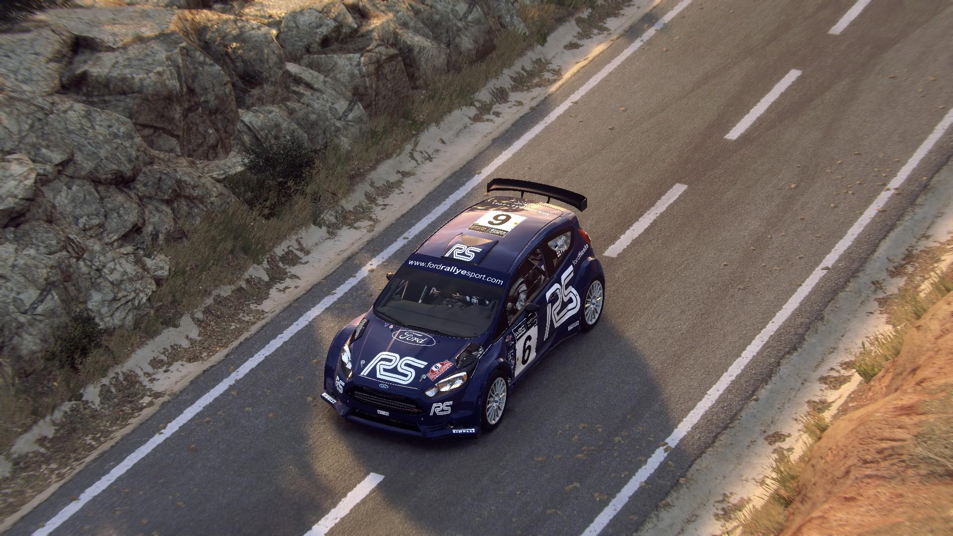 Ford Fiesta R5 (Märtin-Parks - Rallye Sanremo - Rallye d'Italia 2002 - Hommagge) (4).jpg