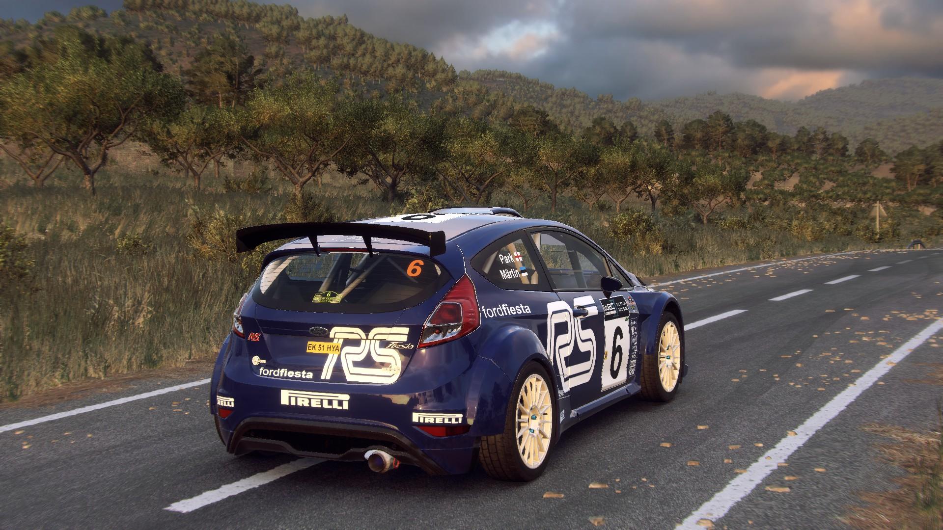 Ford Fiesta R5 (Märtin-Parks - Rallye Sanremo - Rallye d'Italia 2002 - Hommagge) (5).jpg