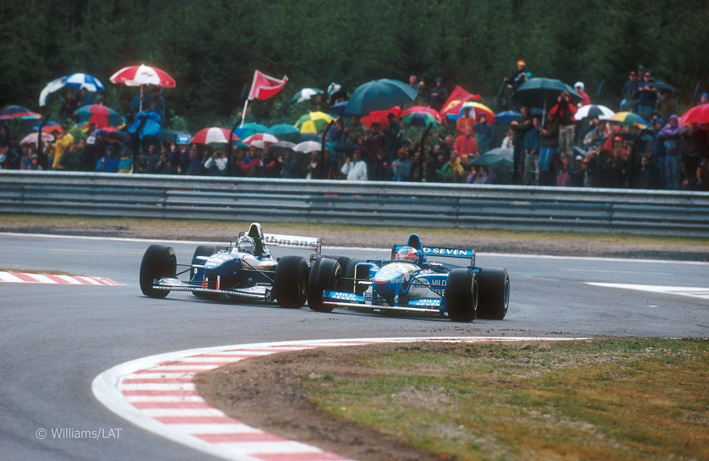Formula One - Schumacher vs Hill - Spa 1995.jpg