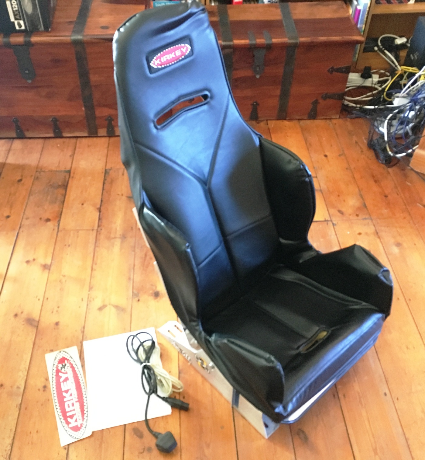 SOLD ) UK SimXperience GS-4 Motion Feedback G Seat ( SOLD