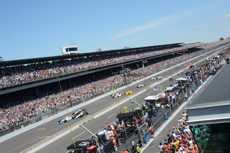 INDYCAR 2015 Indianapolis 500 (2).jpg