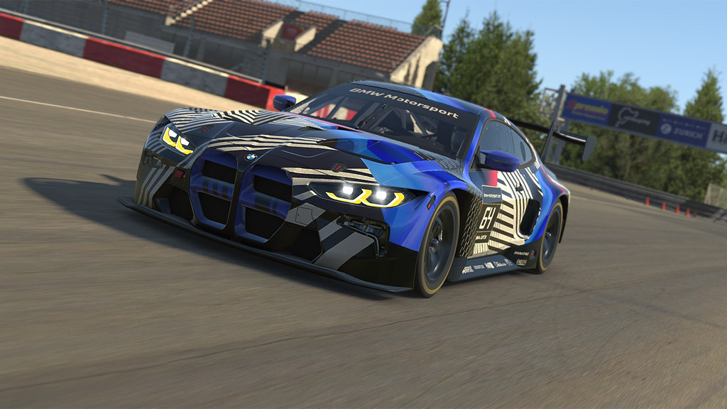 iRacing BMW GT3 Middle.jpg