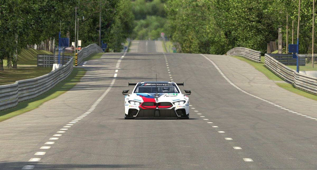iRacing BMW M8 GTE 2.jpg