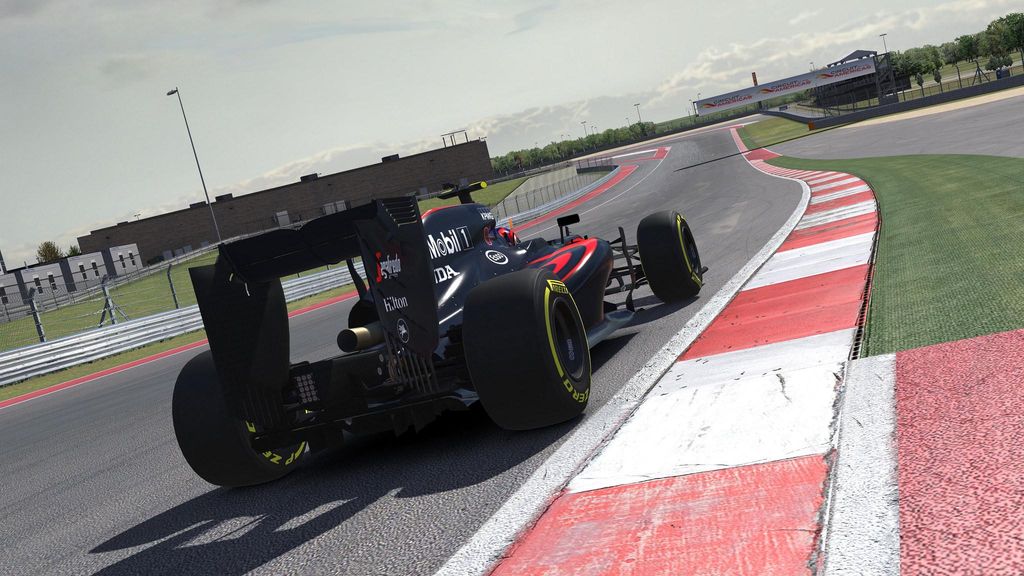 iRacing McLaren.jpg