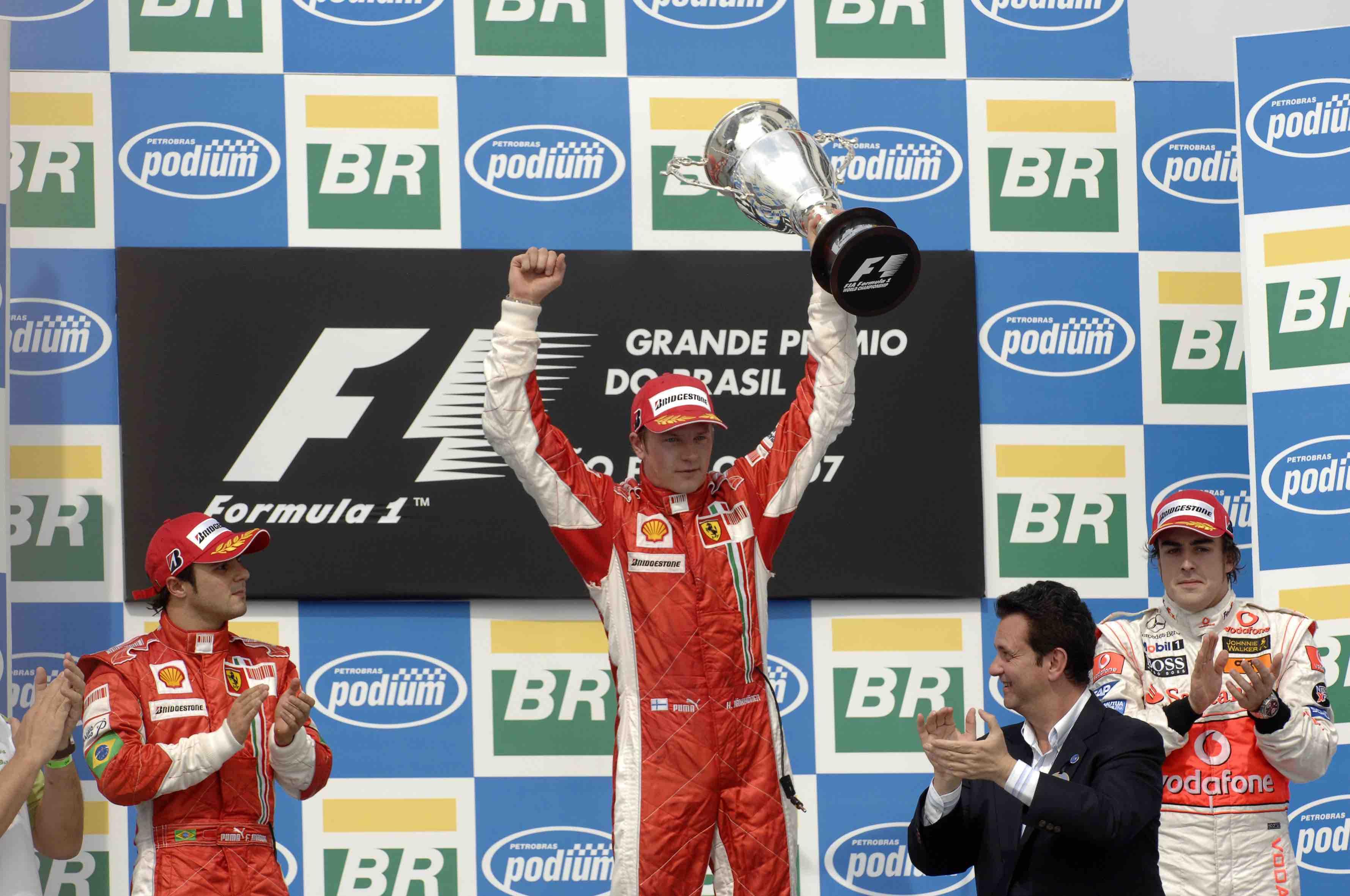 Kimi 2007 Champ.jpg