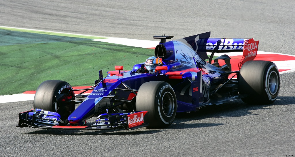 Kvyat Secures Ferrari Deal 4.jpg