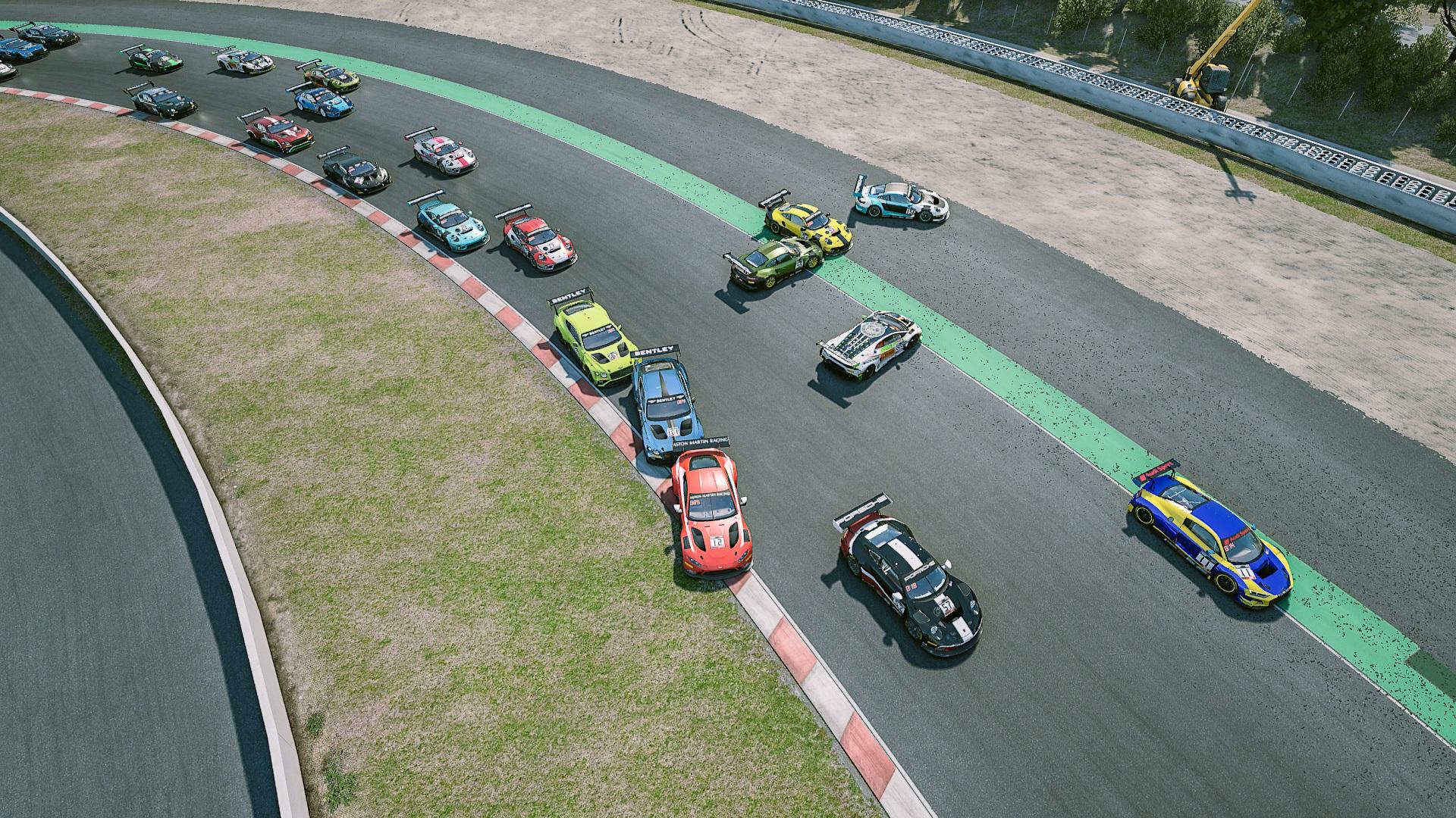 lap 1 crash.jpg