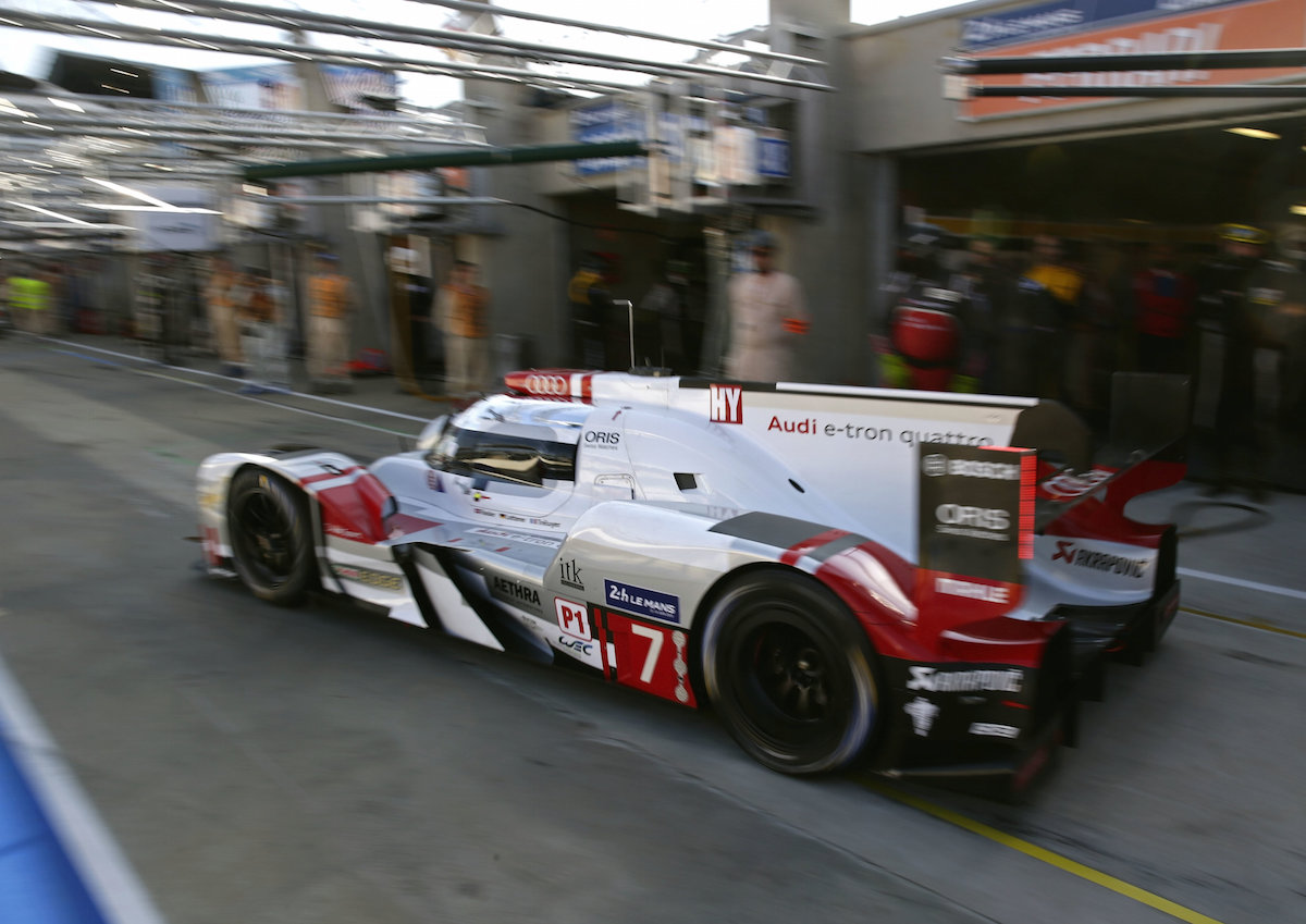Lotterer Leads hour 2 Le Mans 2015.jpg