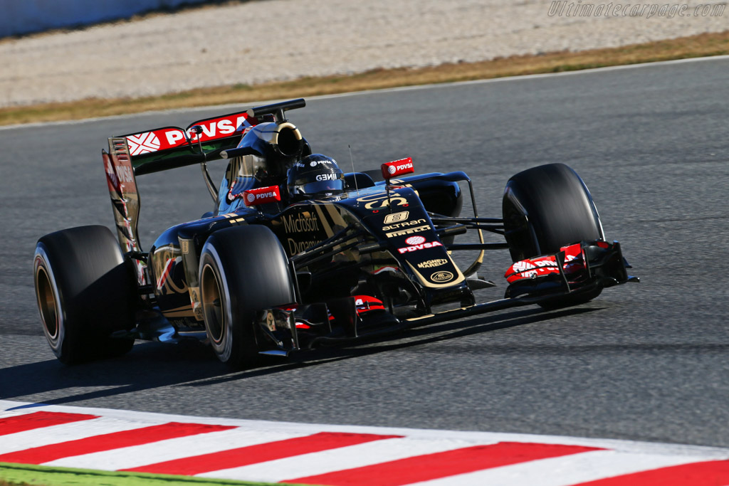 Lotus-E23-Hybrid-Mercedes-54352.jpg