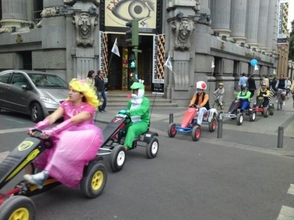 Mario-Kart-Cosplay.jpg