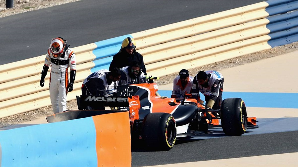 McLaren F1 Bahrain Test.jpg