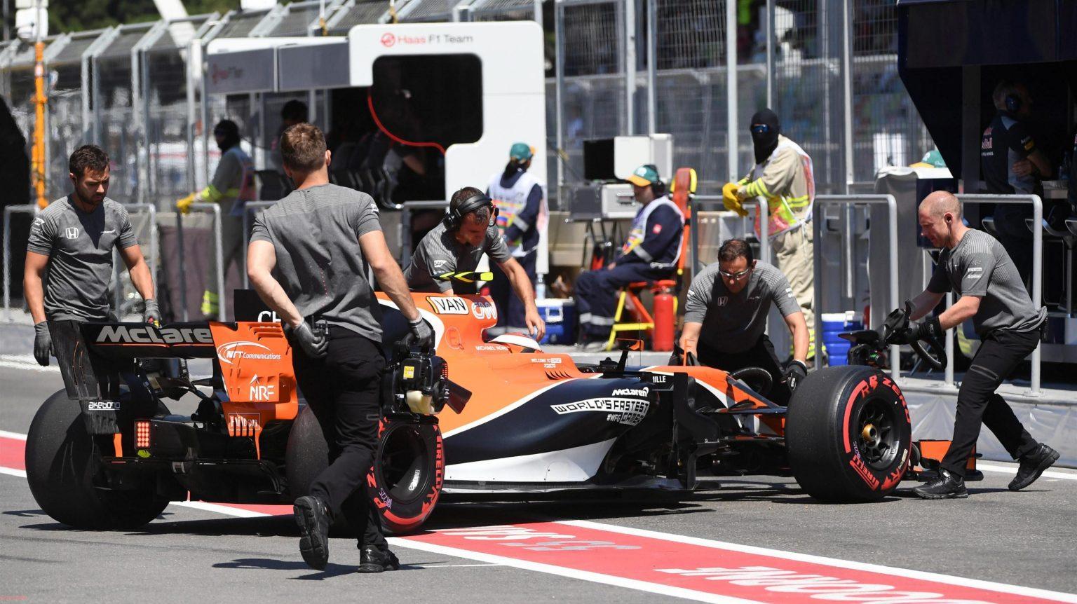 McLaren Honda Baku Struggle 4.jpg
