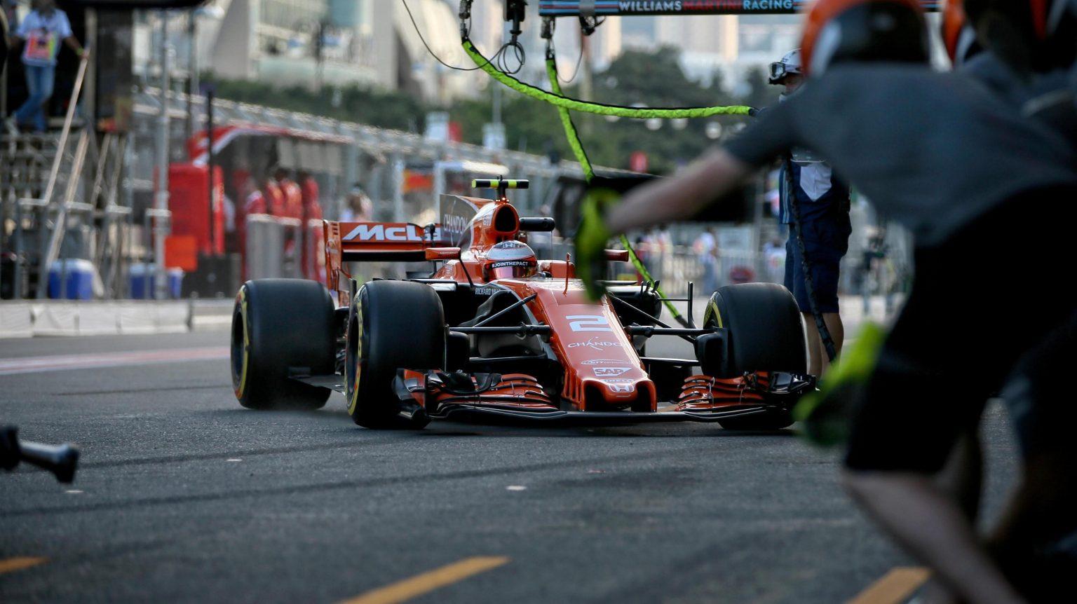 McLaren Honda Baku Struggle 7.jpg