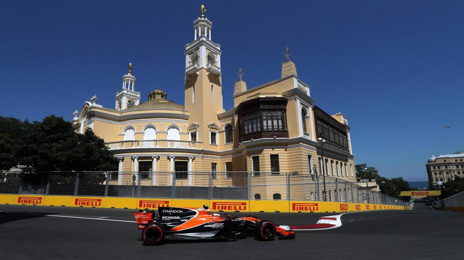 McLaren Honda Baku Struggle Vandoorne.jpg