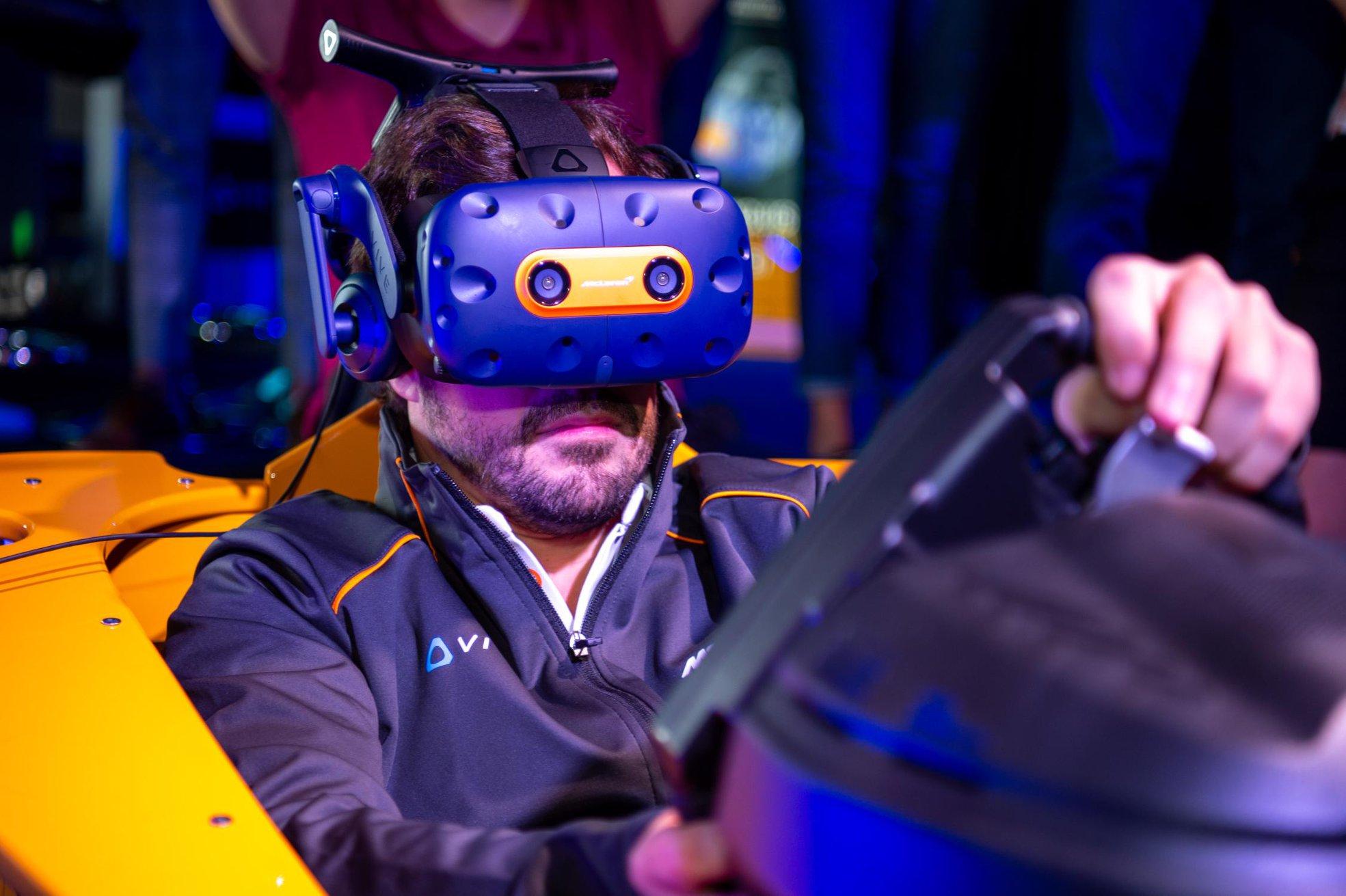 McLaren HTC Vive Pro VR limited Edition.jpg