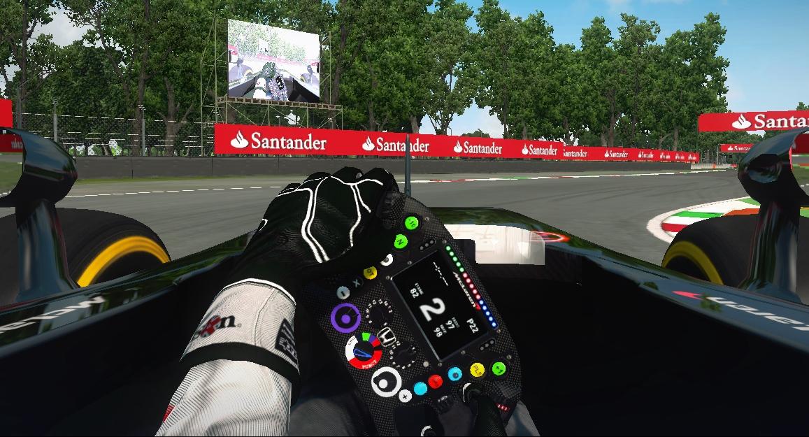 Mclaren steering.jpg