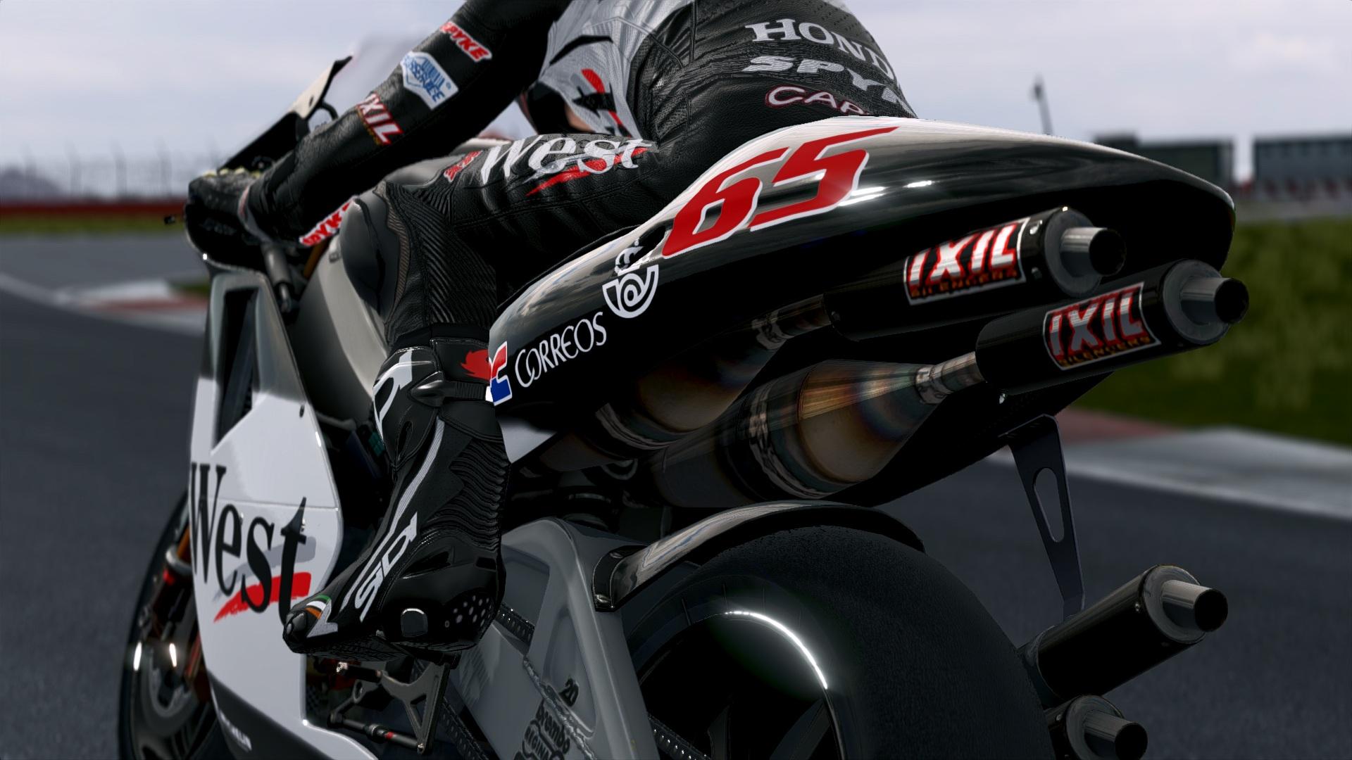 MotoGP14X64.exe_DX11_20140821_111635.jpg