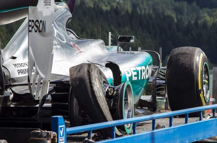 nico-rosberg-tyre-failure-spa-pirelli.jpg