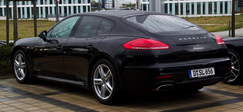Porsche_Panamera_Diesel_(970,_Facelift)_–_Heckansicht,_3._März_2014,_Düsseldorf.jpg