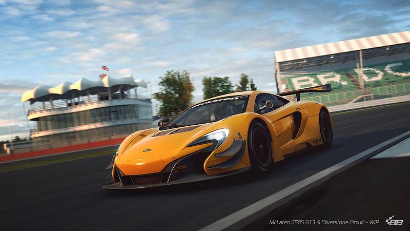 RaceRoom Racing Experience McLaren 650S - Silverstone.jpg